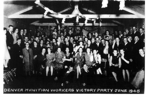 09239001Denver munition workers June 1945 Victory Party