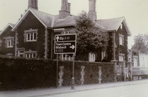 31Built 1859Dr.HuntersHospital later to become a police station. Church Rd. D.Mk.
