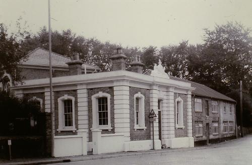 39  Built 1849 by the Parish and Court Treasury          The Old Court House London Rd. D.Mk . Now a private home