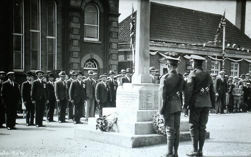 300              War Memorial